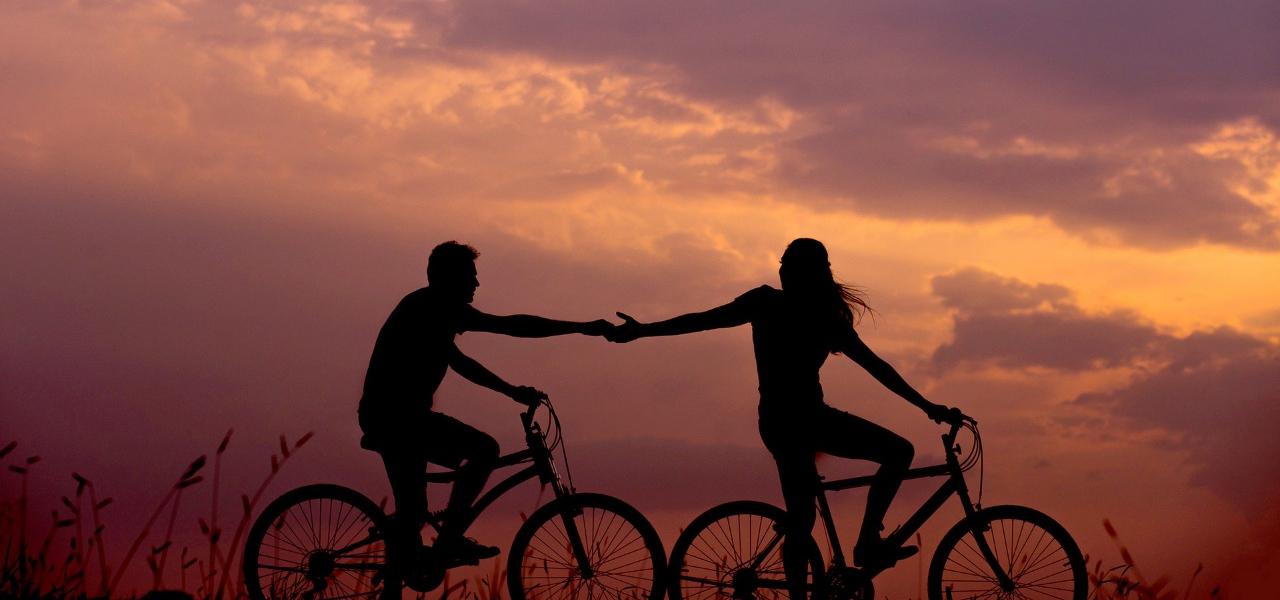 100 कैलोरी जलाने के लिए साइकिल से जाना